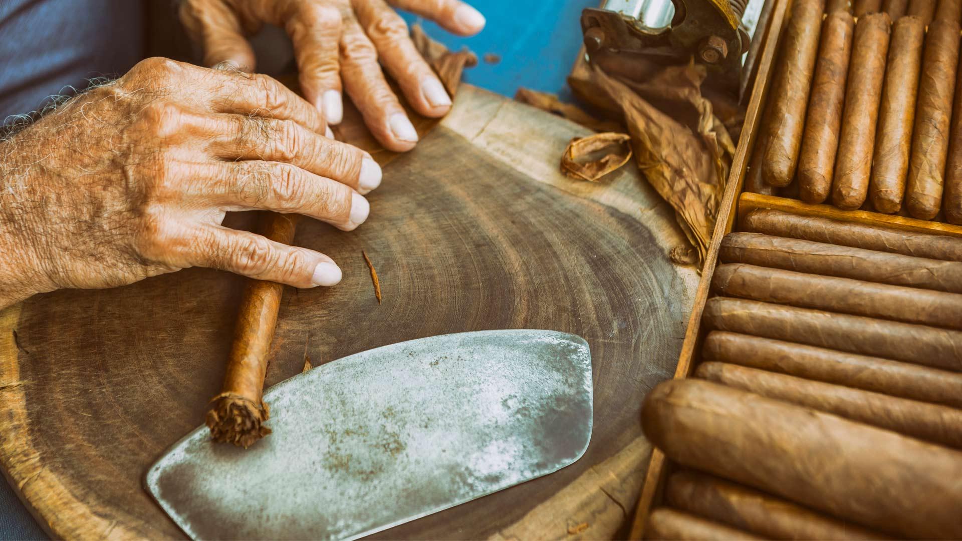 rolling cuban cigars