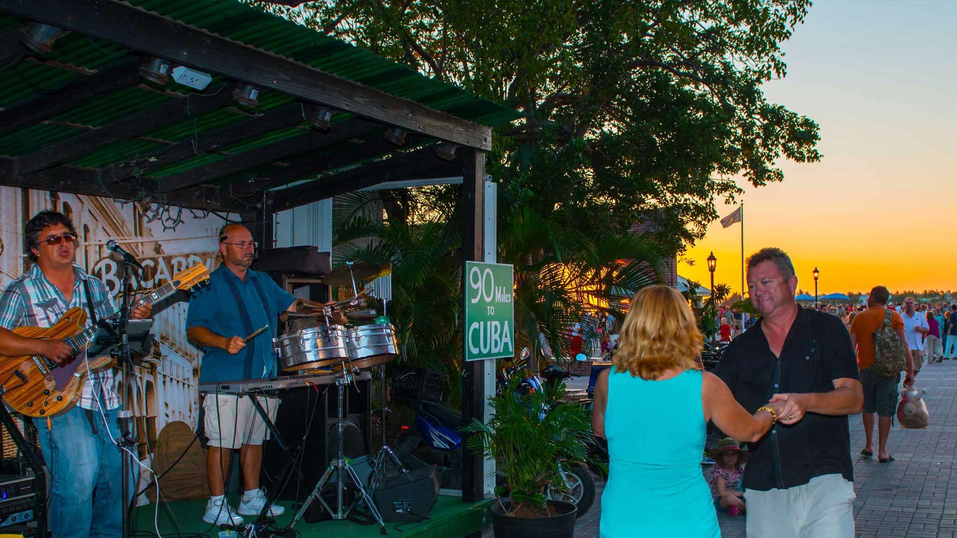 live music at el meson de pepe in mallory square